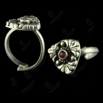 92.5 Silver Toe Rings Studded Red Stones