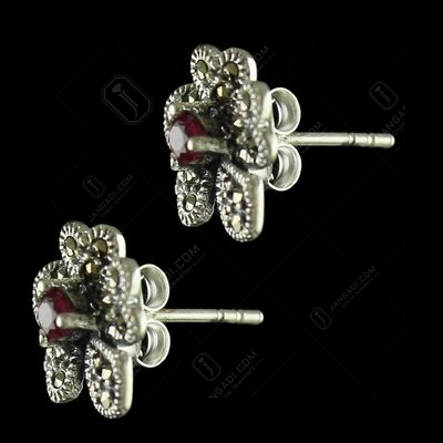 92.5 Sterling Silver Fancy Design Stud With Cristel And Emerald