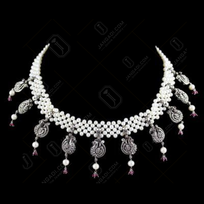 Peacock Pearl Thread Necklace