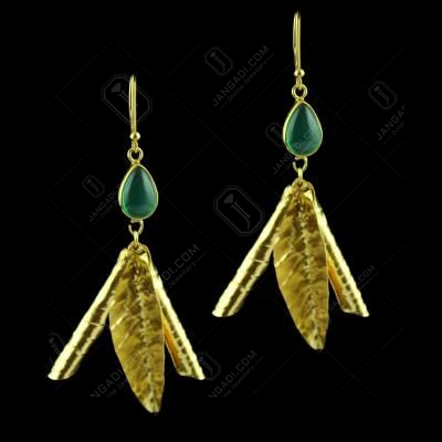 Hanging Earring With Green Onyx